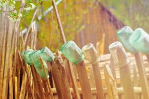 art-bottles-fence-511