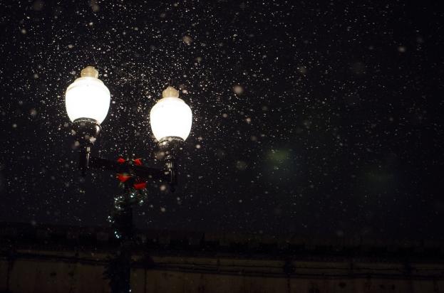snow-light-lamp-christmas-night